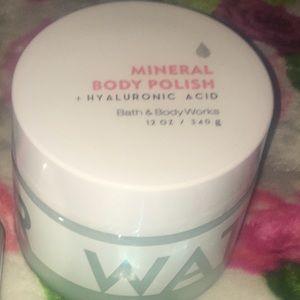 Bath&BodyWorks Hyaluronic Acid Mineral Body Polish